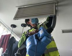 特灵空调维修:空调送风口冷凝水结霜维修
