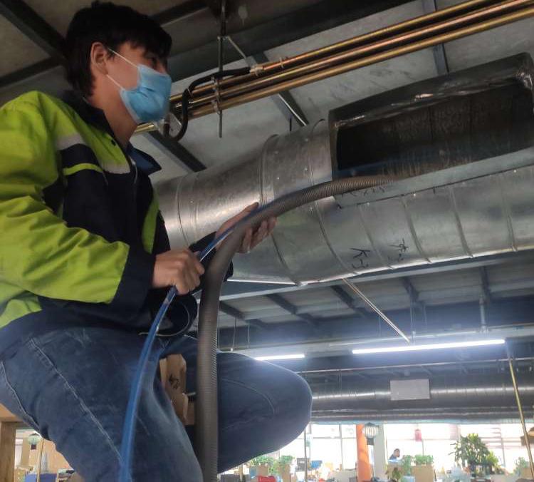 游乐场内部设施奥克斯中央空调保养案例(图2)