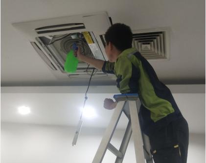 东莞奥克斯空调维修电话-上海大型多联机中央空调清洗价格