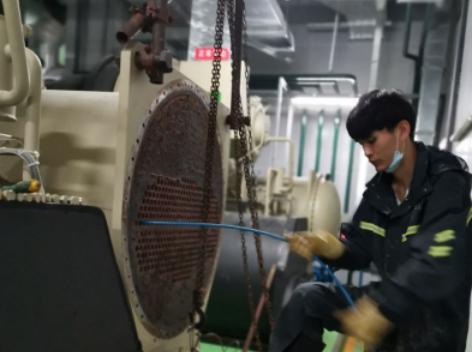 佛山新飞空调维修中心-螺杆式冷水机组的维护保养(图1)