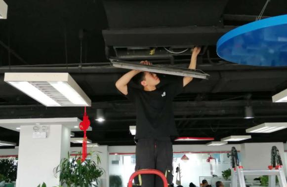 上海小天鹅空调售后电话号码-中央空调风机盘管维护(图2)